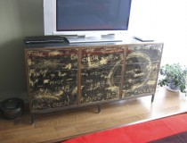 Chest of Drawers c